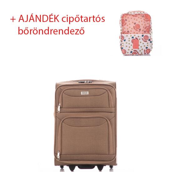 Bőrönd kabin méret 6802 Camel színben RYANAIR ÚJ WIZZAIR méret + ajándék cipőtartós bőröndrendező