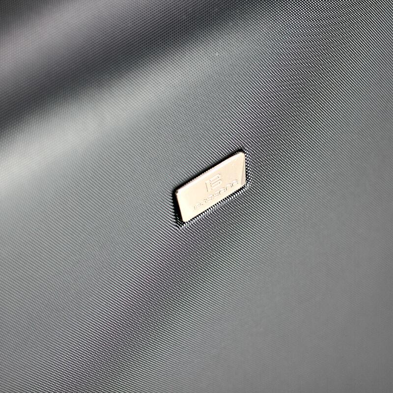 BOS-1321 Bossana 70 cm-es bőrönd - Kemény bőrönd - Bőröndöt cea88e295d